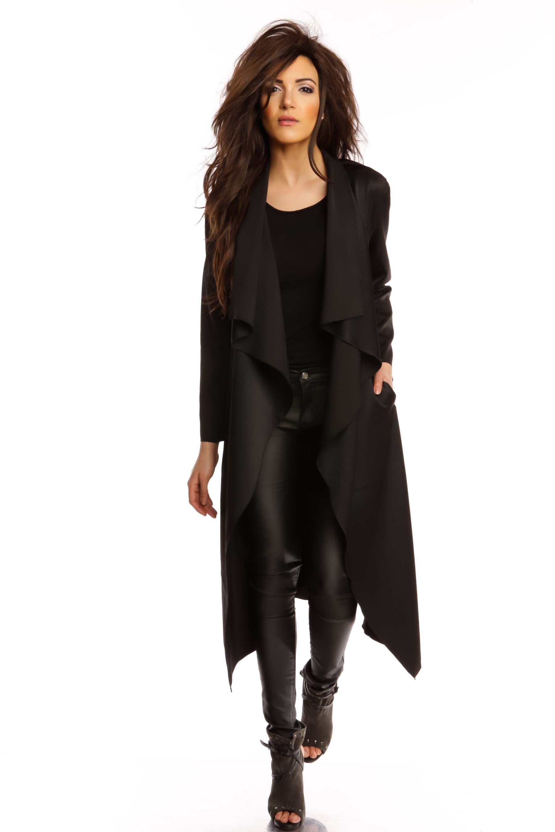 je me sens bien avec mon long manteau. Black Bedroom Furniture Sets. Home Design Ideas